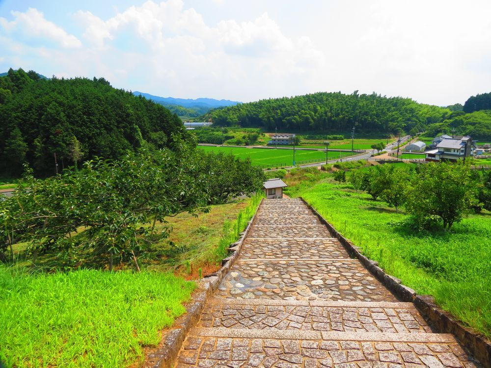 天武・持統天皇陵は小高い墳丘の上