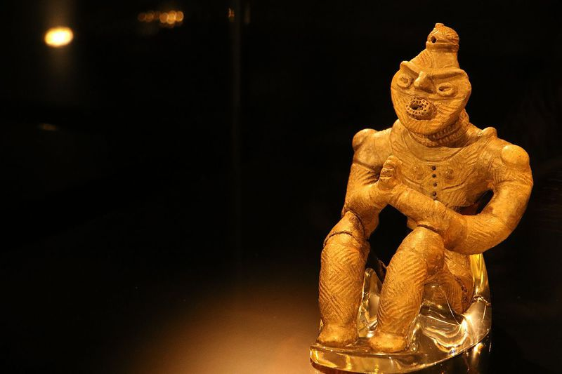 八戸市・是川縄文館で国宝の合掌土偶と縄文人の指紋、多数の遮光器土偶の魅力