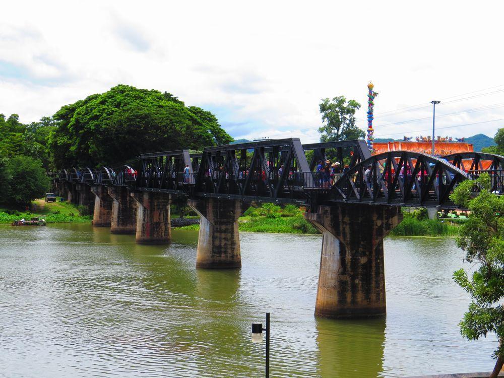 クウェー川鉄橋の観光について