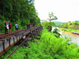 アルヒル桟道橋を歩く!タイ・カンチャナブリで泰緬鉄道と絶景観光