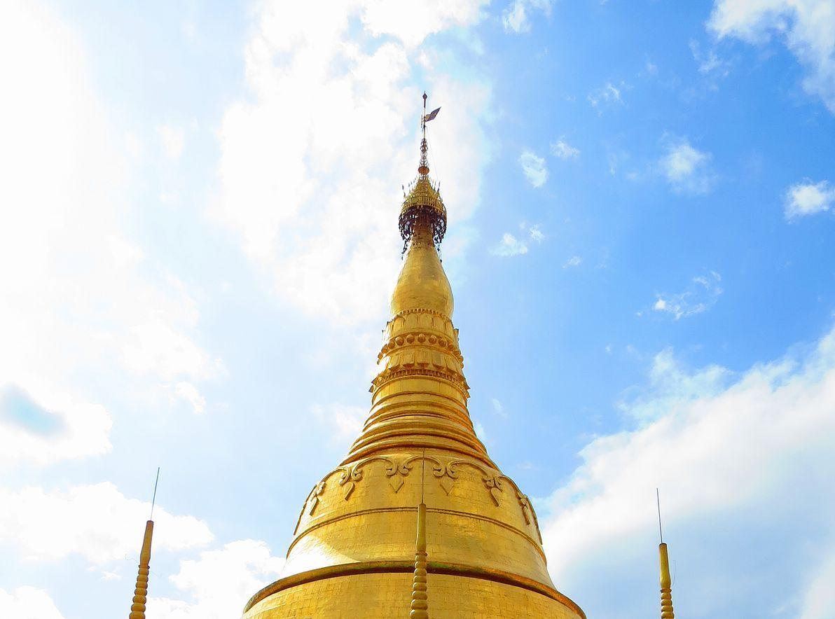 タチレク・シェゴダン・パゴダ(Tachileik Shwedagon Pagoda)
