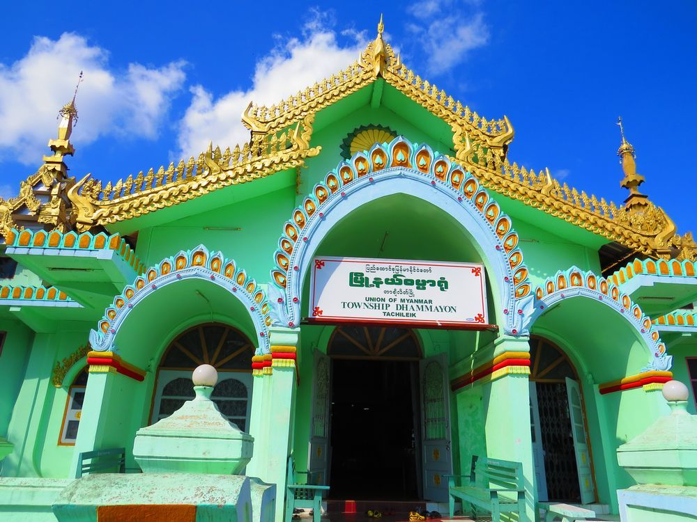 タイから徒歩観光可能なミャンマー・タチレク!鮮やかな二つの寺院の美