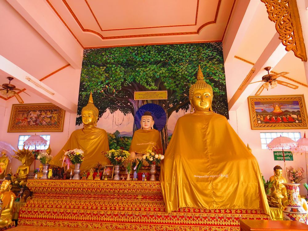 三カ国の仏像