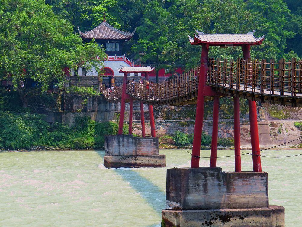 明の時代に焼け落ちた「安瀾橋」