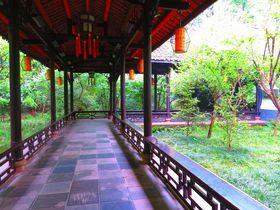 四川省成都観光で必見の詩聖「杜甫」が暮らした杜甫草堂