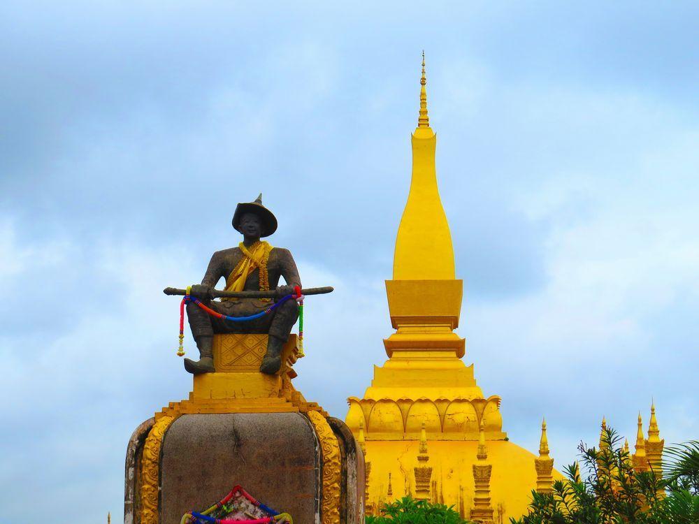 タート・ルアン(Pha That Luang)とは