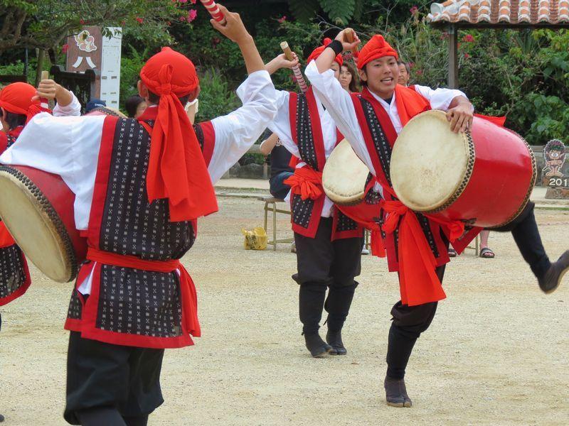 2日目:エイサーに道ジュネー「琉球村」で琉球文化に触れる