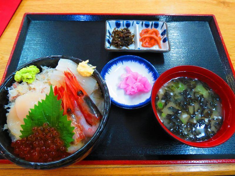 自分流!選べる海鮮五色丼