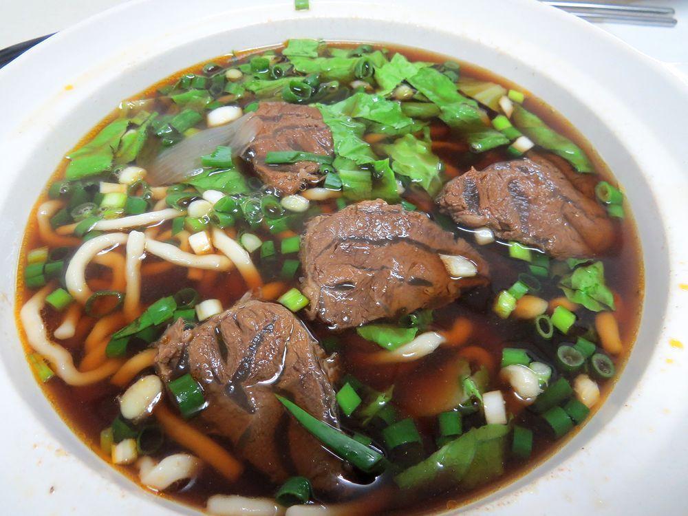 「三千牛肉麺」の絶品麺
