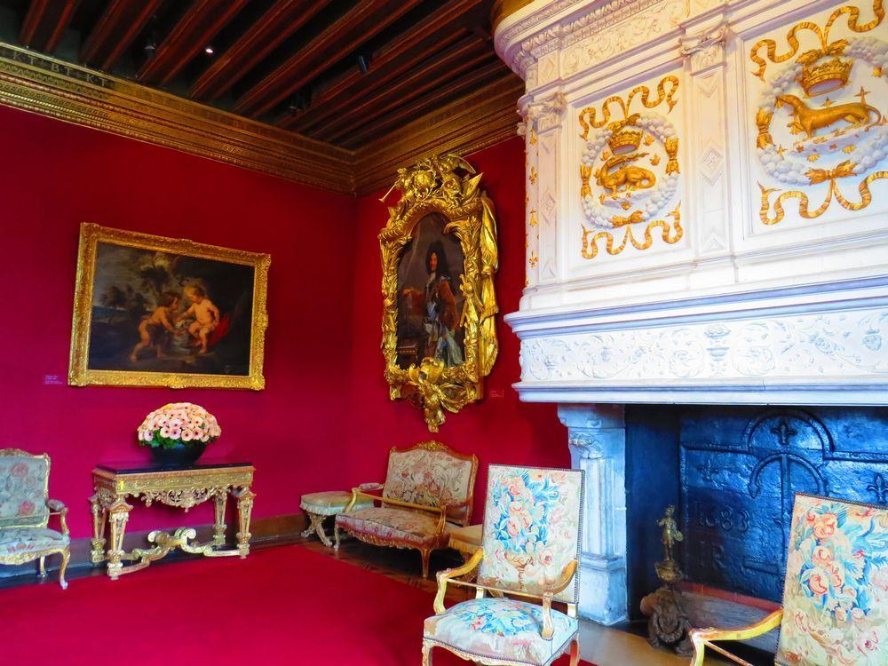 調度品は当時のまま「フランソワ1世の寝室」