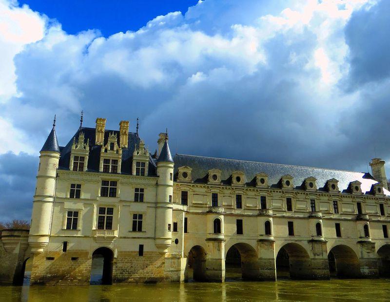 世界遺産シュノンソー城はフランス観光で必見の美しさ