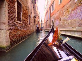 世界遺産・ベネチアでゴンドラ遊び!スカルツィ橋や仮面も魅力