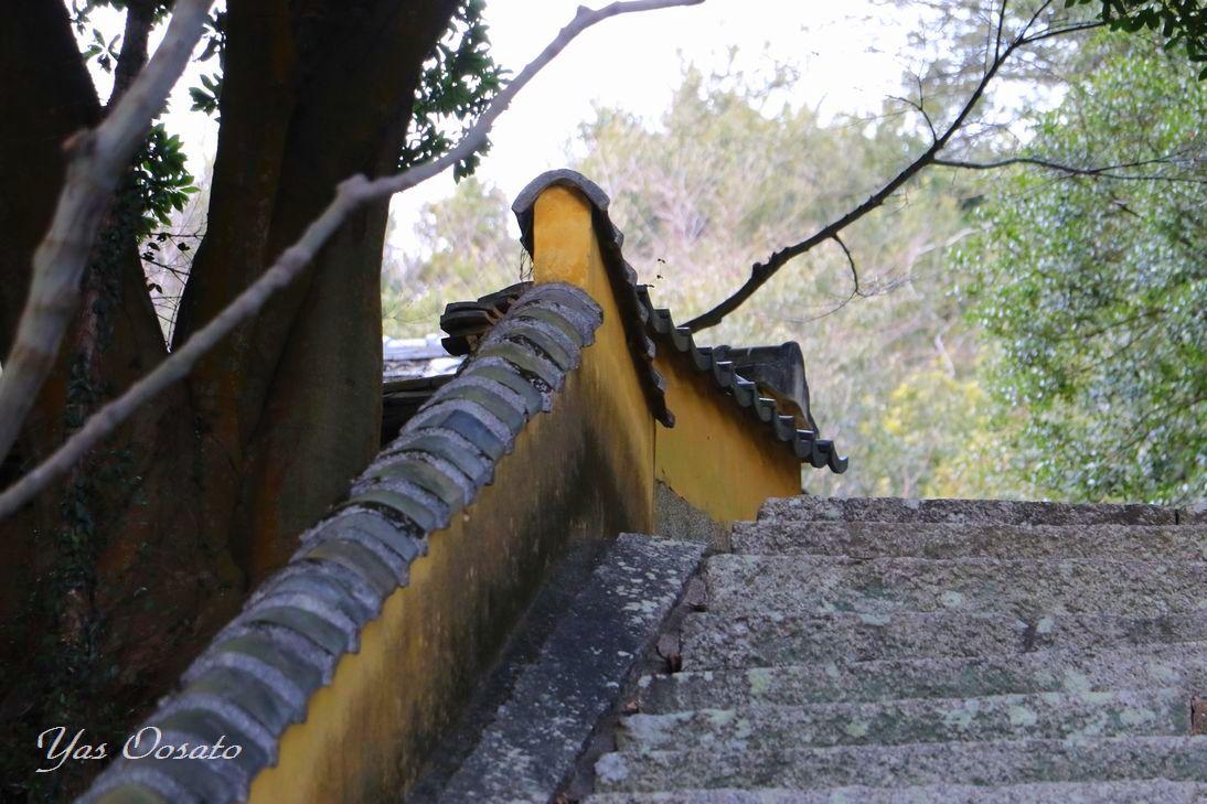 石段の上の観音堂