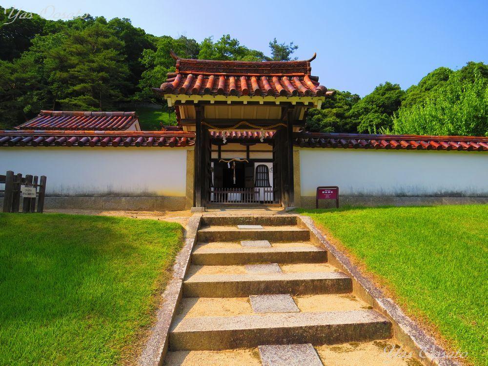 閑谷神社の佇まいと見事な楷の木