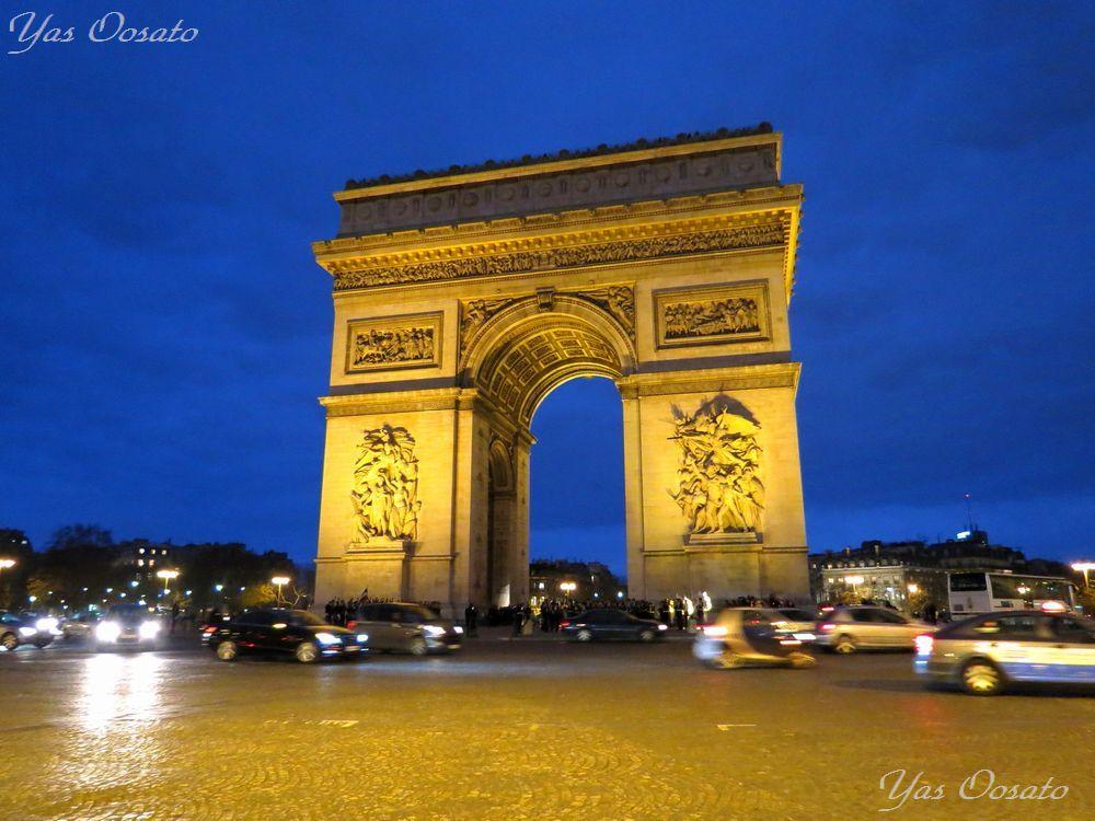 夕暮れからのエトワール凱旋門の美しさ