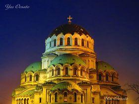 ブルガリア・アレクサンドル・ネフスキー大聖堂で崇高な光必見!