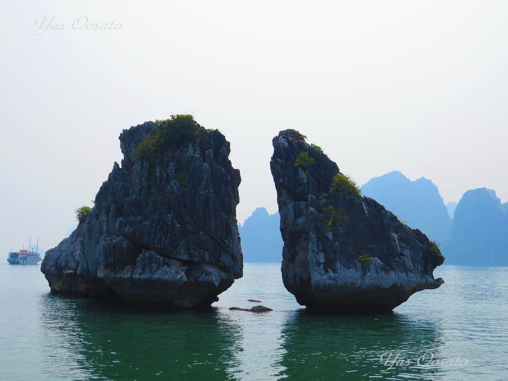 奇岩を巡る