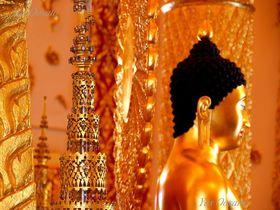 タイ・ウボンラッチャタニのワットプラタートノンブアで衝撃の黄金