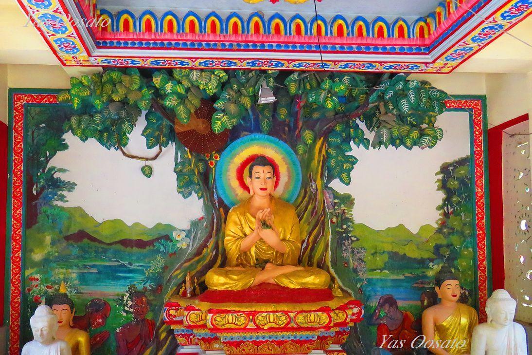 珍しいミャンマー寺院と掘出物発見の露店散策