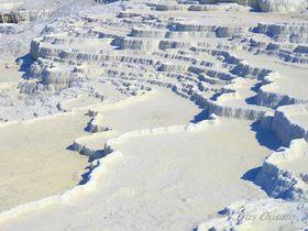 トルコの世界遺産ヒエラポリス-パムッカレ石灰棚で楽しむ足湯と真白な世界