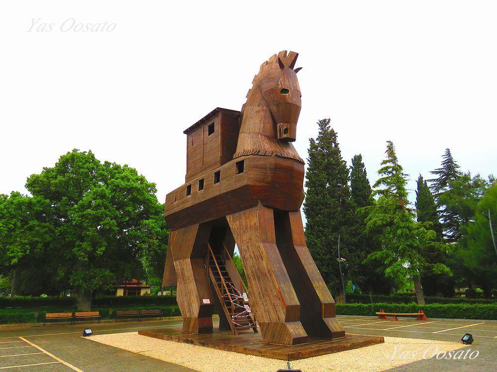 シュリーマン発掘のトロイの考古遺跡!木馬はギリシャ神話が舞台