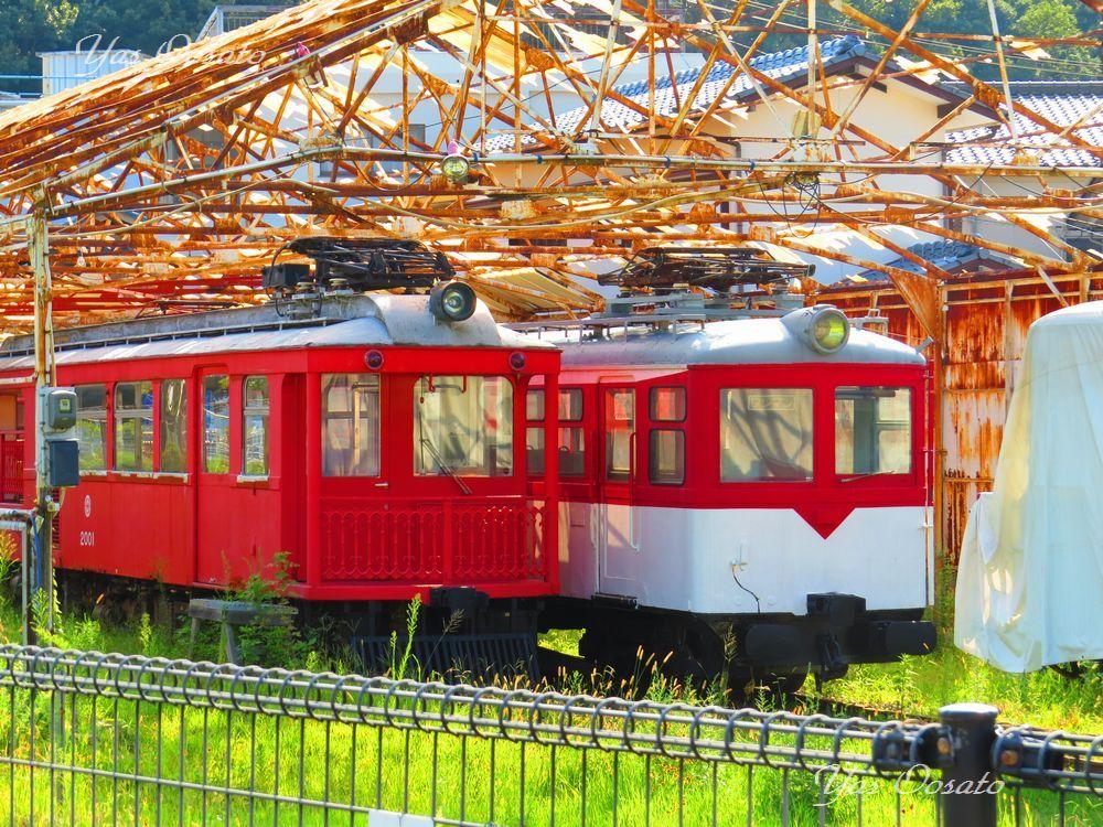 終点の下津井駅に残るレトロな電車
