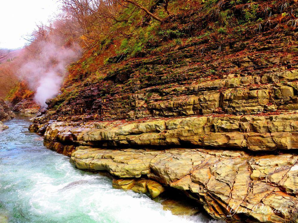大噴湯を通り抜け峡谷を楽しもう