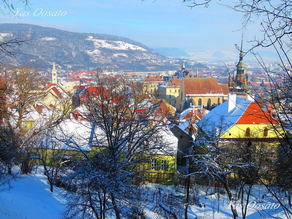 ルーマニア・世界遺産シギショアラの時計塔と山上教会からの絶景