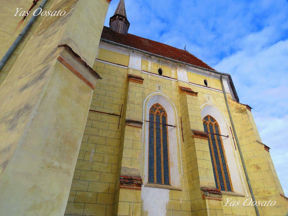 美しい要塞教会の周囲