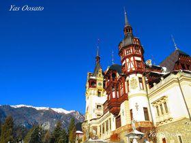 雄大な景観も楽しめるルーマニアの壮麗な「ペレシュ城」