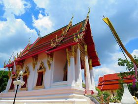 黄金や白い寺院も!タイ・ウボンラーチャターニーの見どころ5選