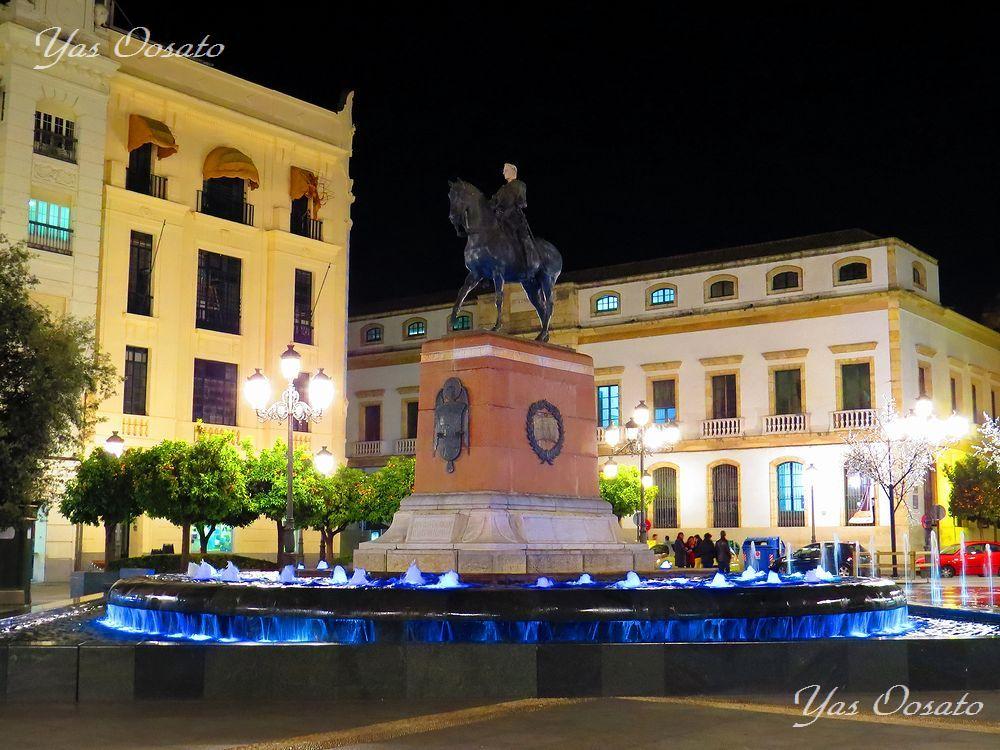 コルドバの美しきライトアップ「テンディーリャス広場」