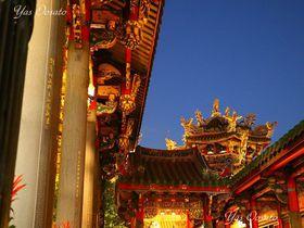 台北最古のパワースポット!龍山寺は夕暮れからが美しい