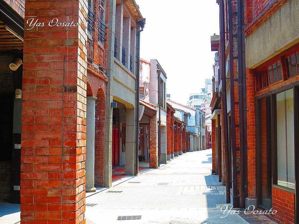 一本裏の通りにもある歴史地区