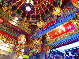 台北の道教寺院観光で龍山寺から近い「青山宮」は外せない