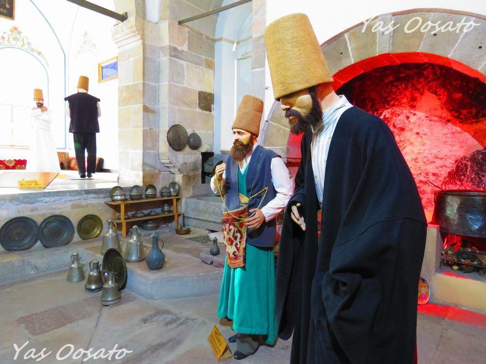 別館で人形による昔の修行僧の様子