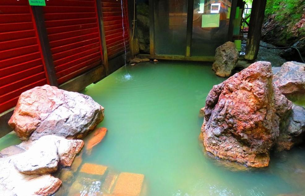 北海道せたな町の秘湯「湯とぴあ臼別温泉」で大自然に包まれよう