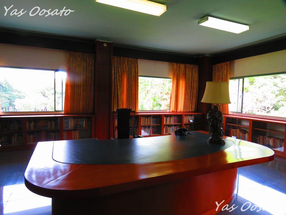 3階には図書室と娯楽空間