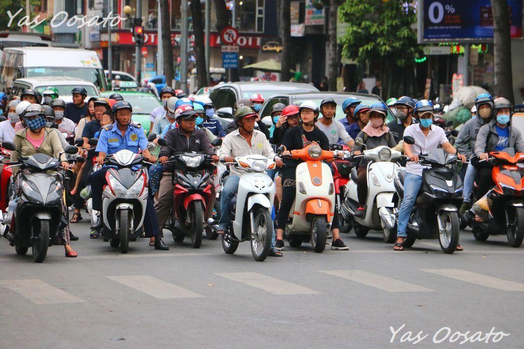 ホーチミンの徒歩観光は、バイクに注意!