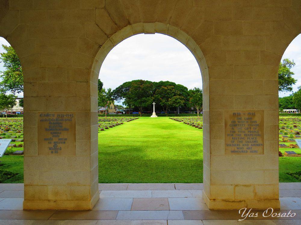 タイ・カンチャナブリ泰緬鉄道センターと連合軍共同墓地で歴史を知る