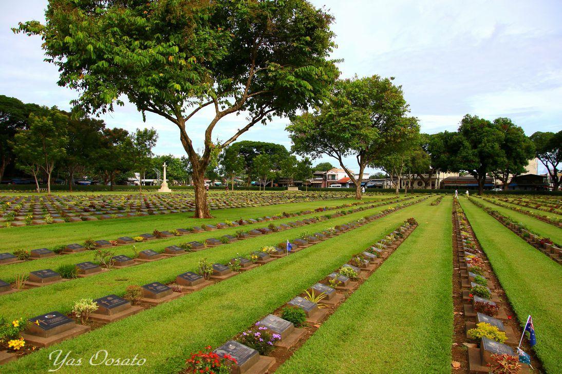 美しく整備された連合軍共同墓地