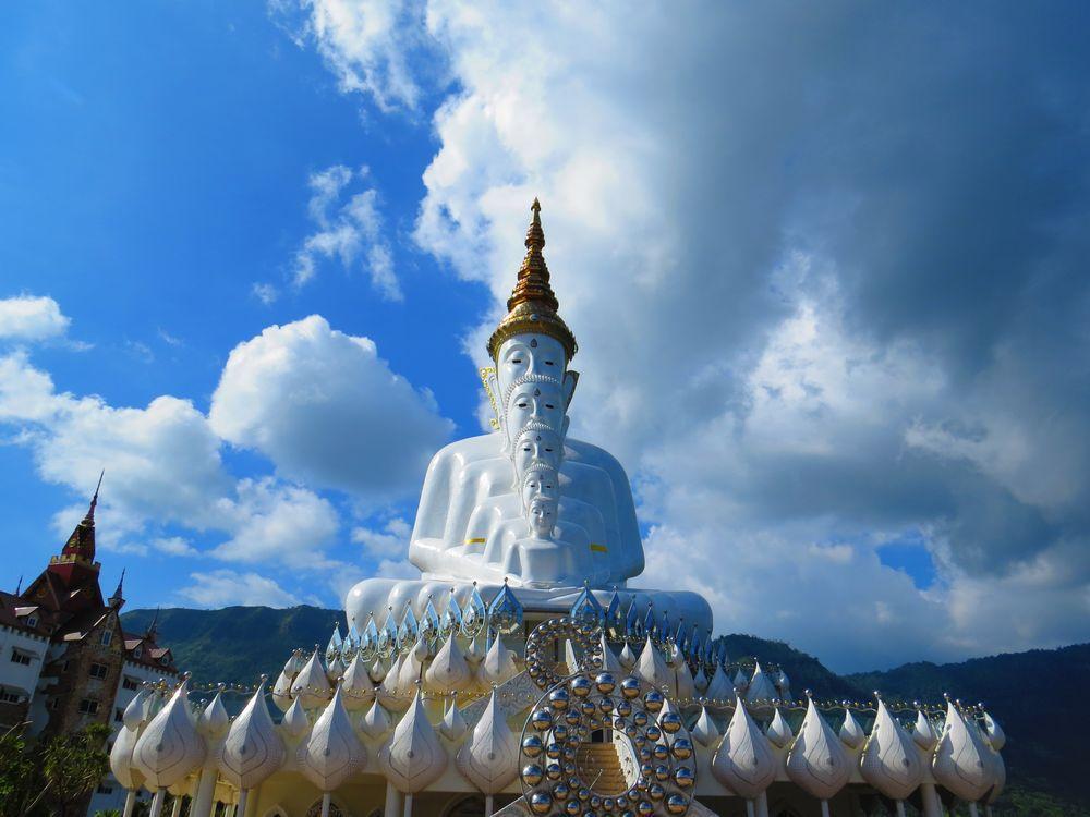 タイの超神秘的な5つの仏像!ワットプラタートパーソーンケーオ