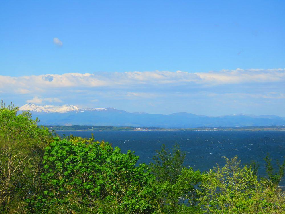 青森「三沢市民の森」小川原湖と八甲田が同時に見える絶景温泉!