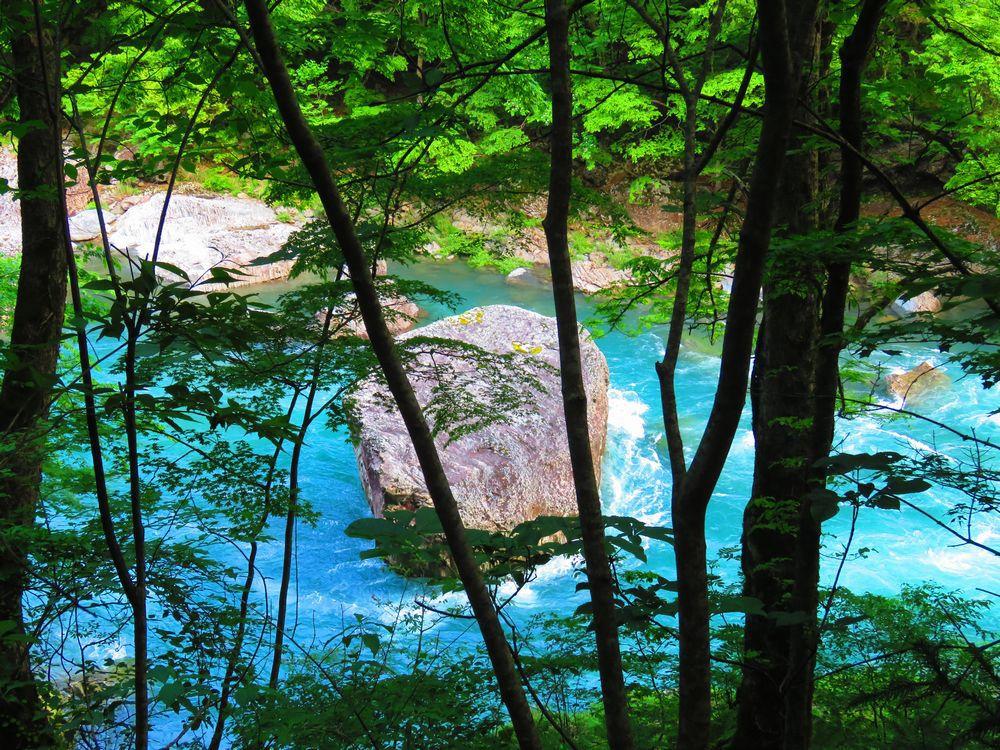 奇岩「茣蓙の石」と見どころ「若狭の急流」