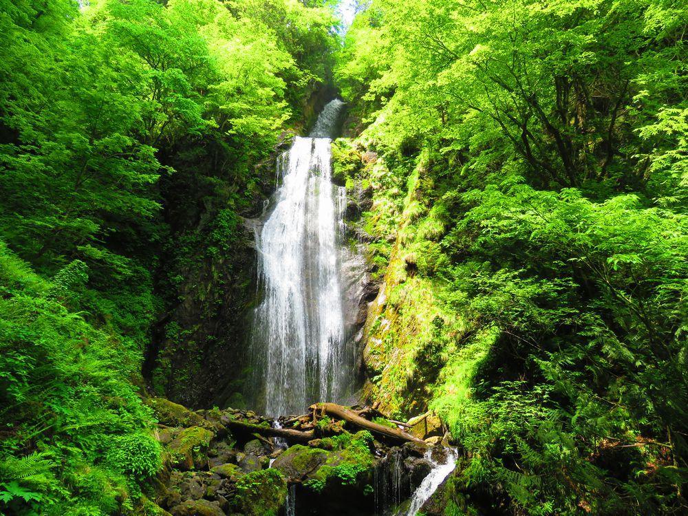 絶景「回顧の滝」