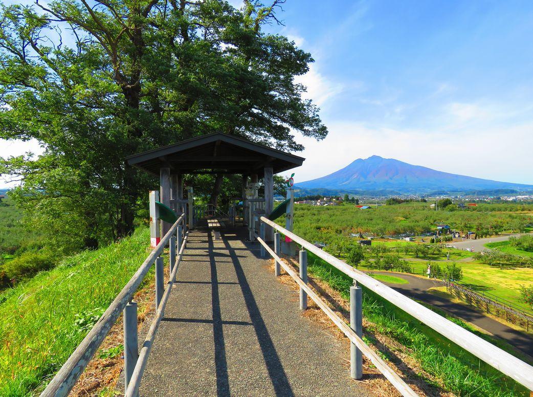 岩木山の絶景を楽しむすり鉢山の歴史と旧小山内家住宅