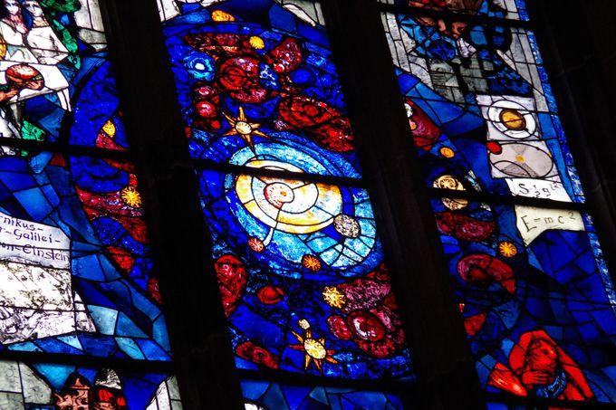 ウルム大聖堂のステンドグラスに