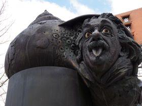 「アインシュタイン」を生誕地、ドイツ・ウルムで探してみよう!世界一高い大聖堂にも彼の姿が?!