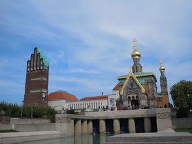 ドイツ・ダルムシュタットのシンボル「結婚記念塔」は不思議な形!?ロマンティックなモザイクも必見!