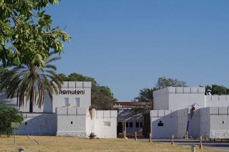 白い砦が目印「ナムトニ リゾート」